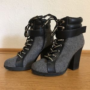 Juicy Couture black/grey lace up boots Size 6